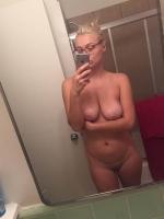 blonde_bomshell