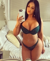 toplesshottie